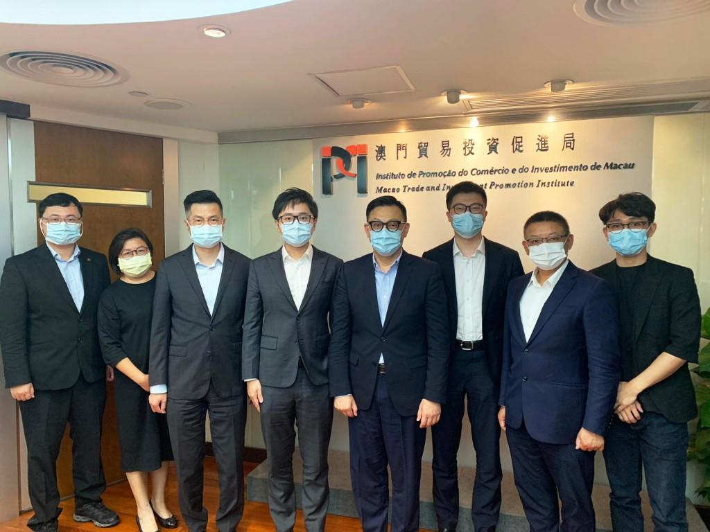 劉偉明主席與到訪本局的極視角科技有限公司一行合影 (2021年6月1日)